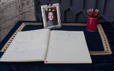 Una lettera contro l'odio nel giorno del funerale di Valeria Solesin